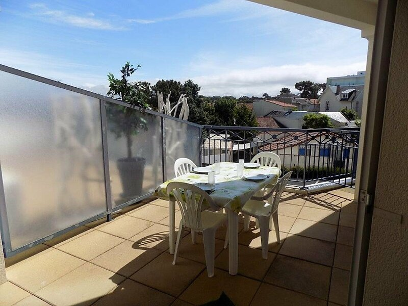 VAUX SUR MER - QUARTIER PONTAILLAC - APPARTEMENT - PISCINE COLLECTIVE, vacation rental in Pontaillac