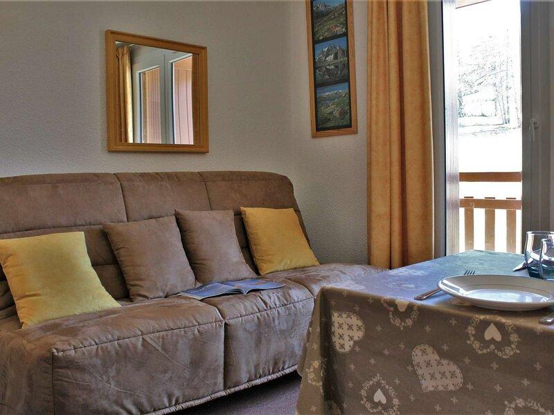 Appartement 2 pièces 4 couchages RISOUL 1850, vacation rental in Saint-Clement-sur-Durance