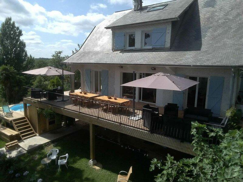 Maison Rousse Côté Sud, vacation rental in Haut-De-Bosdarros