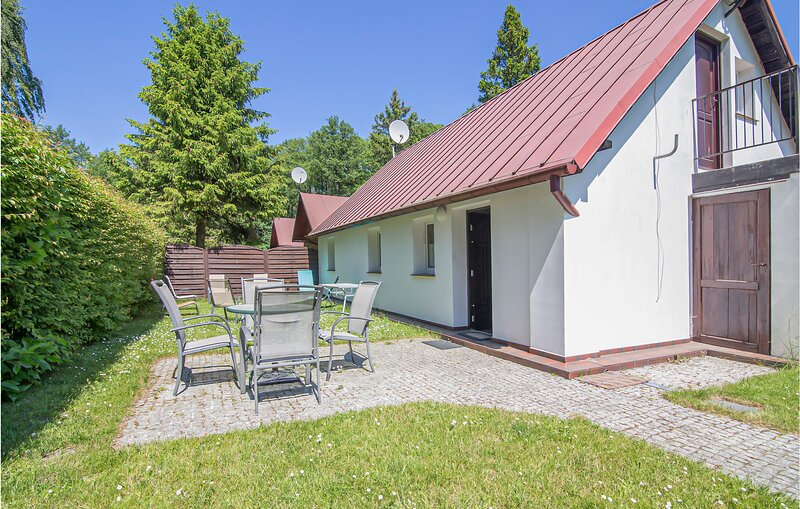 Beautiful home in Lubiatowo with WiFi and 2 Bedrooms (PPO346), vacation rental in Ostrowo