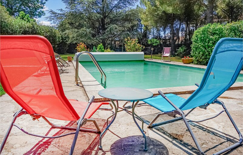 Beautiful apartment in Laurens with Outdoor swimming pool, WiFi and 1 Bedrooms (, holiday rental in Gabian