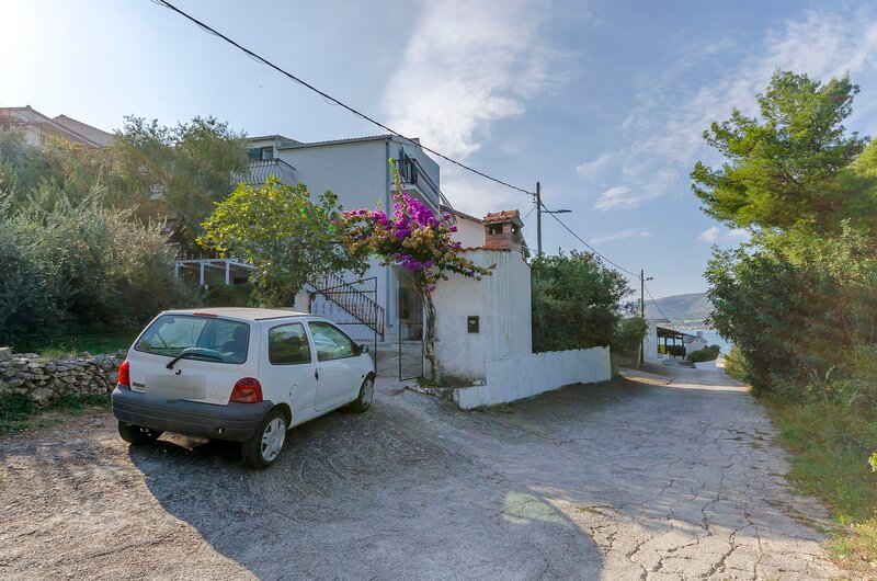 Apartments Slavko, alquiler de vacaciones en Arbanija