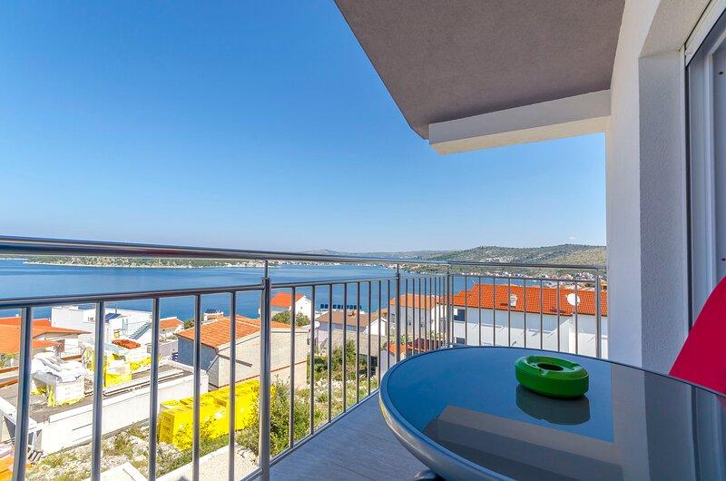 Apartments BruLo, aluguéis de temporada em Razanj