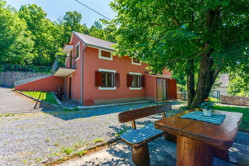 House WOODY, holiday rental in Klenovica