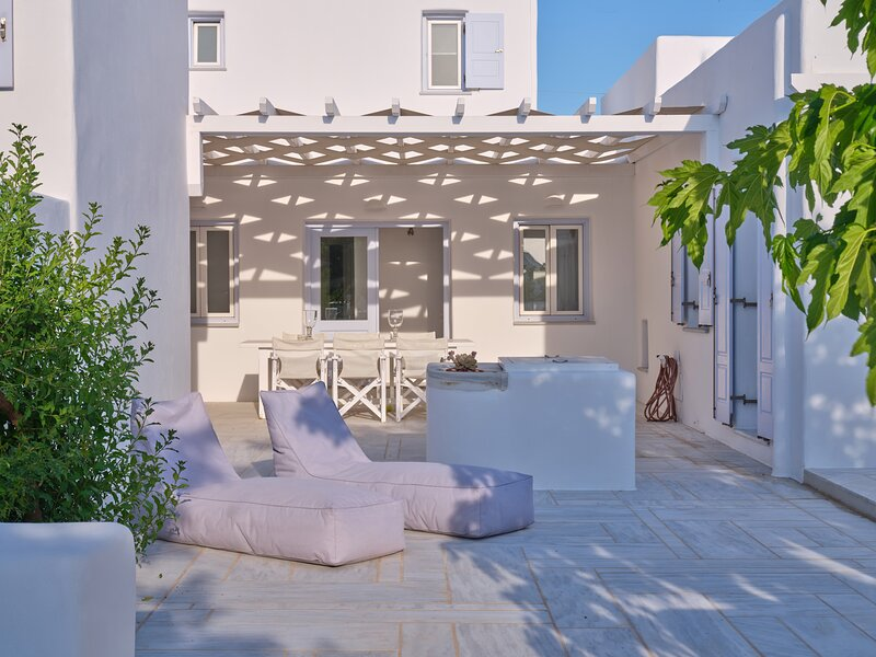Villa PORFYRA - Cycladic House in Ampelas, Paros, holiday rental in Ampelas