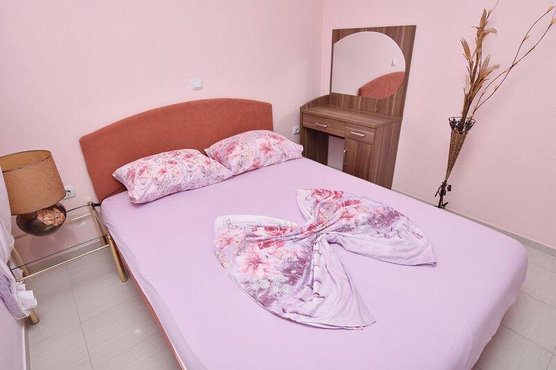 Apartments and Rooms Villa Mia, location de vacances à Shengjin