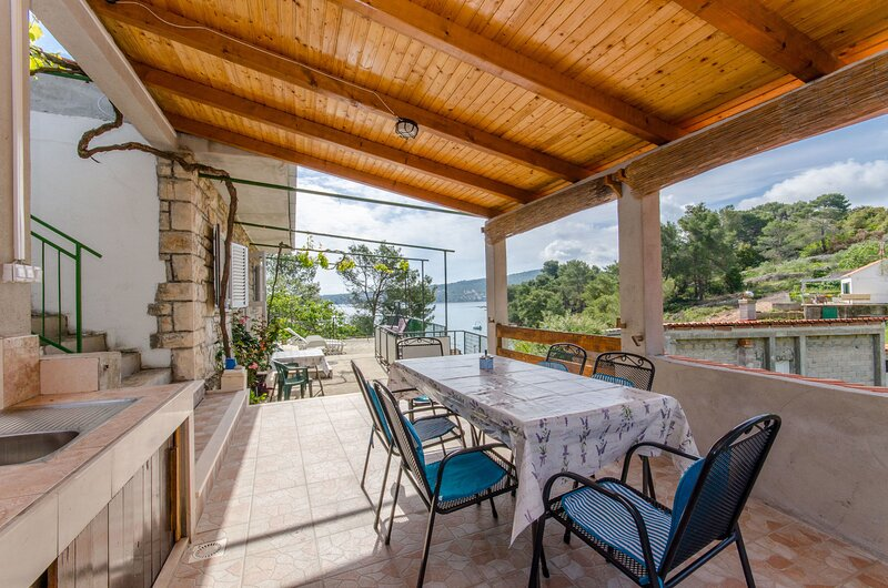 House Isabella, vacation rental in Rogac