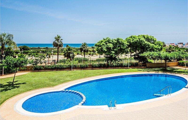 Nice apartment in Cabanes with Outdoor swimming pool and 2 Bedrooms (EBA226), alquiler de vacaciones en Cabanes