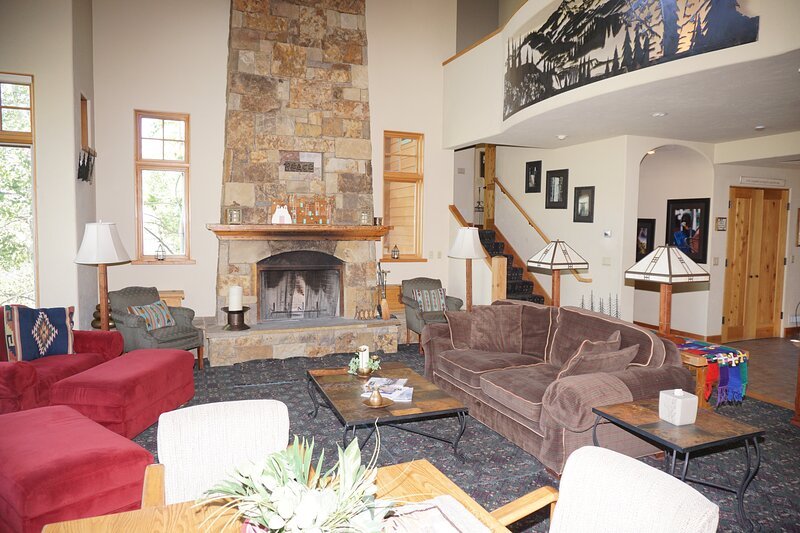 Large Snowmass Woodrun Home with outstanding views of ski area (203048), location de vacances à Marble