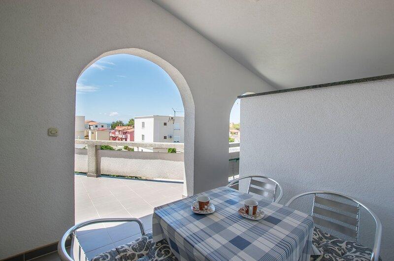 Apartments Ivan, holiday rental in Vir