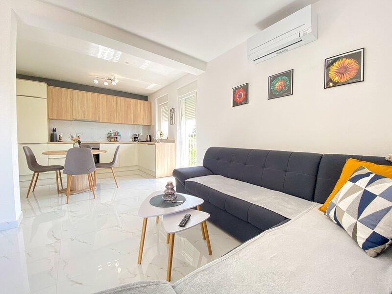 Apartment EMA Umag, holiday rental in Kanegra