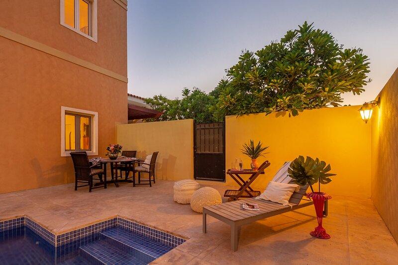 Spectacular 4BR Villa w/ maid's room and Private Pool!, casa vacanza a Hatta