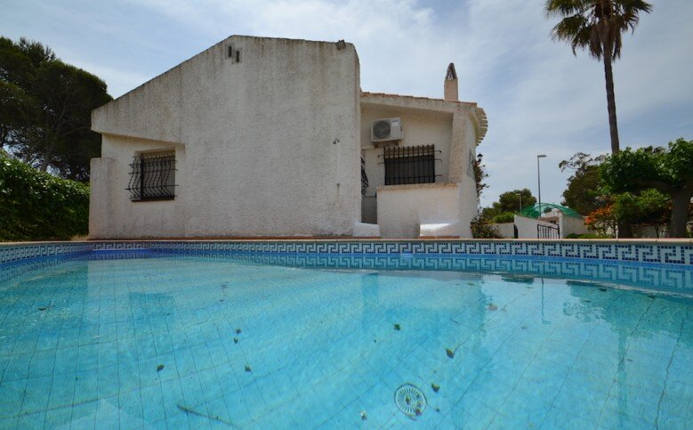 CONFORTABLE CASA+PISCINA PRIVADA EN RIUMAR Zona Delta del Ebro, 6 pers., aluguéis de temporada em Riumar