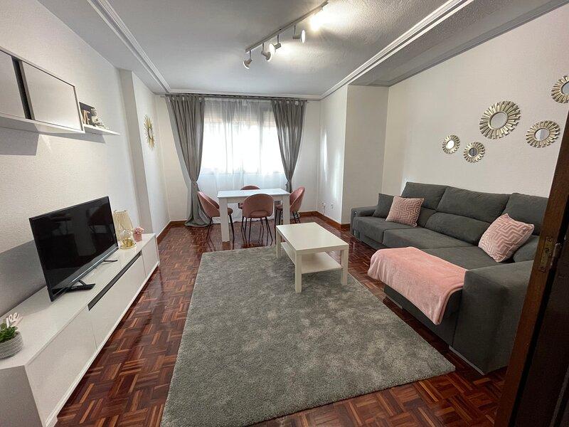 Alquiler piso céntrico, casa vacanza a Solares