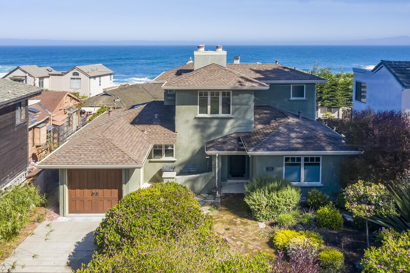 Fully Updated Three bedroom home with Ocean Views, location de vacances à Pacific Grove