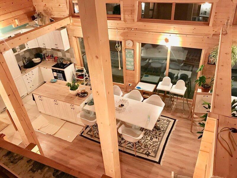 Lovely 4-Bed Cottage in Kolasin, holiday rental in Bijelo Polje