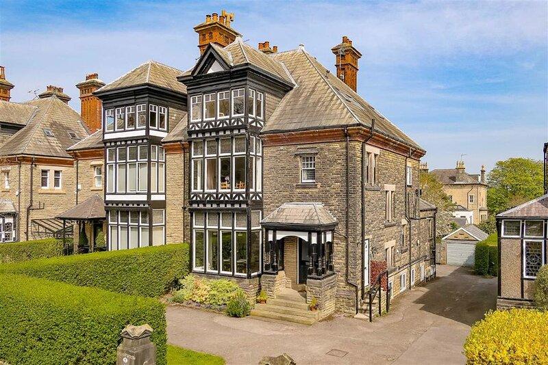 Handsome Harrogate Haven, Park Drive, Yorkshire: Elegant, 5* Cleaned Apartment!, holiday rental in Follifoot