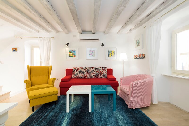 House MANDARINA - OLD TOWN, aluguéis de temporada em Veli Lošinj