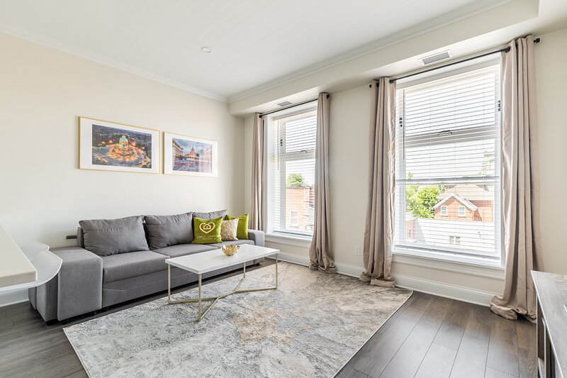 Simply Comfort. Iconic Rideau 1Bd Unit. Balcony. Free Parking, holiday rental in North Grenville