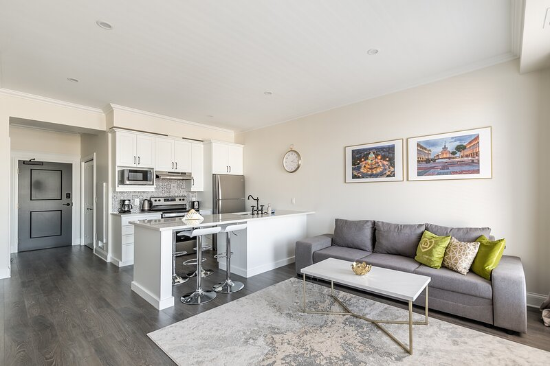 Simply Comfort. Iconic Rideau 1Bd Unit. Balcony. Free Parking, holiday rental in Portland