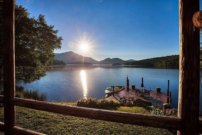 The most peaceful place on Lake Placid!, location de vacances à Vermontville