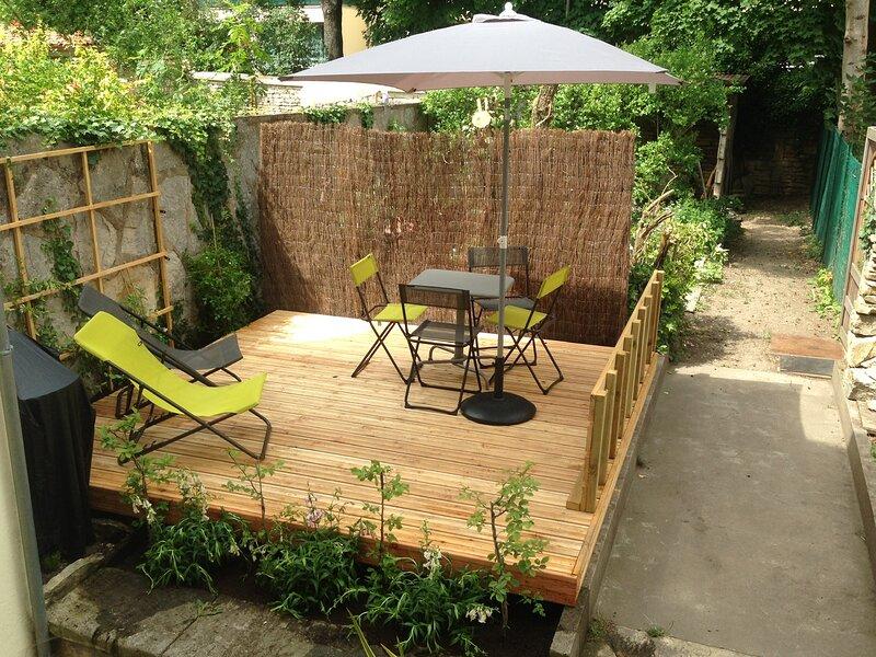 Nouveau DIJON , T2, calme , jardin, 5mn à pied de la gare., holiday rental in Dijon