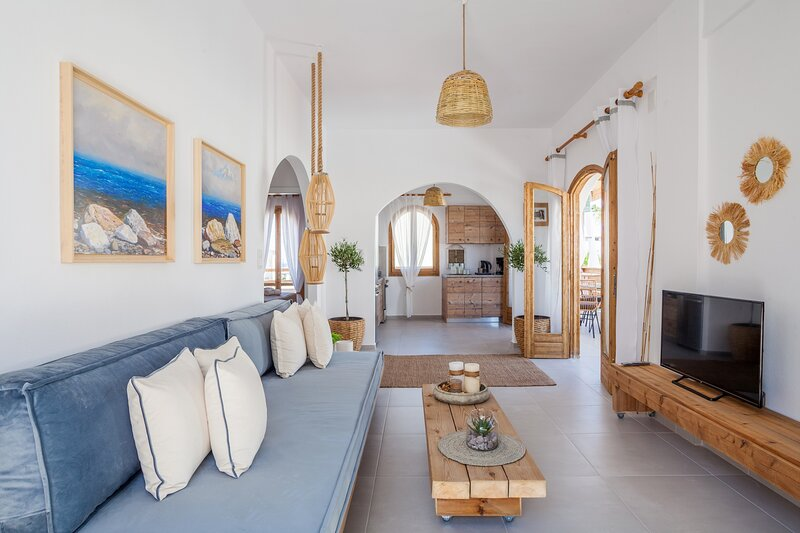 Sandy's Cycladic Style Apartment, holiday rental in Gouves
