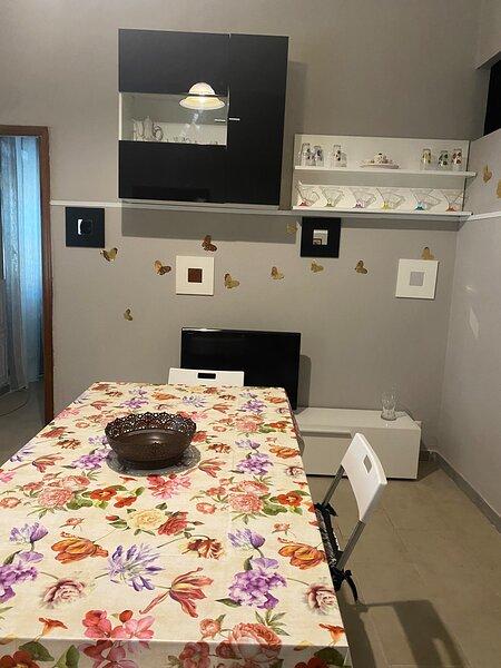 Plebiscito's House, holiday rental in Mitogio