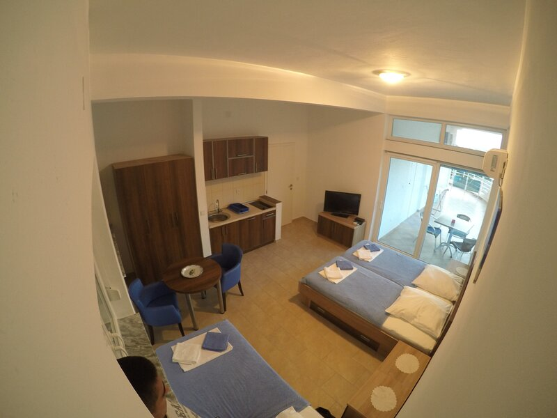 Belvedere Apartments with Seaview - Studio Apartments with Sea View 1, holiday rental in Dubrava
