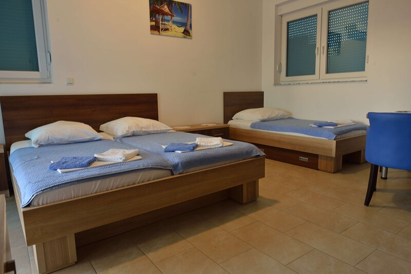 Belvedere Apartments with Seaview - Studio Apartments with Sea View, holiday rental in Dubrava