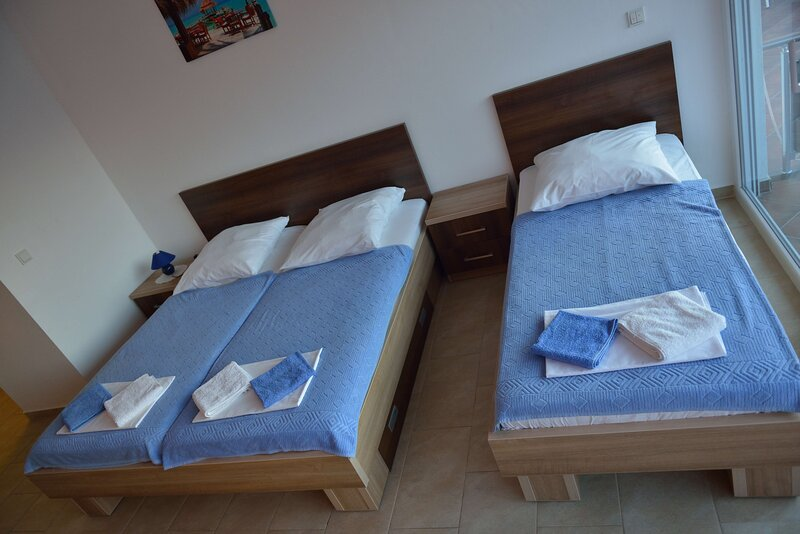 Belvedere Apartments with Seaview - Apartments with Seaview, holiday rental in Dubrava