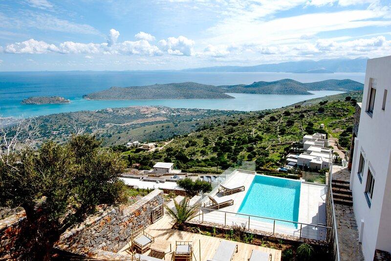 La Villa-Havgas, holiday rental in Agia Paraskevi
