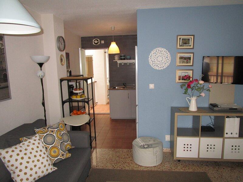 Precioso piso a 200 mts de la Playa / Lovely apartment close to the beach, holiday rental in Santa Pola