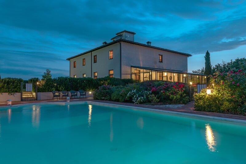 Villa Michelangelo - Piscina, Relax e una vista eccezionale, location de vacances à Foiano Della Chiana