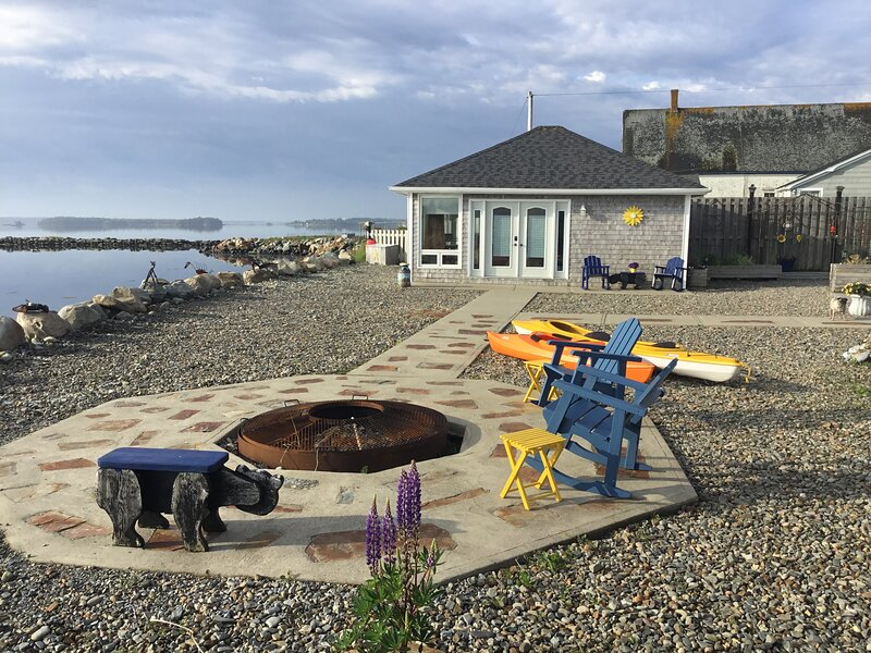 Harbour Sunrise Guesthouse, vacation rental in Tusket