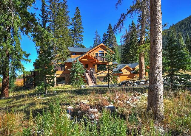 New Listing! Gorgeous Private Home in a Peaceful Setting Close to Everything – semesterbostad i Breckenridge
