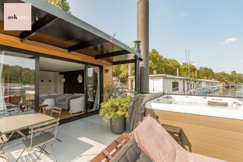 FAMILY Experience All-inclusive Stay Paris (4p), casa vacanza a Saint-Cloud