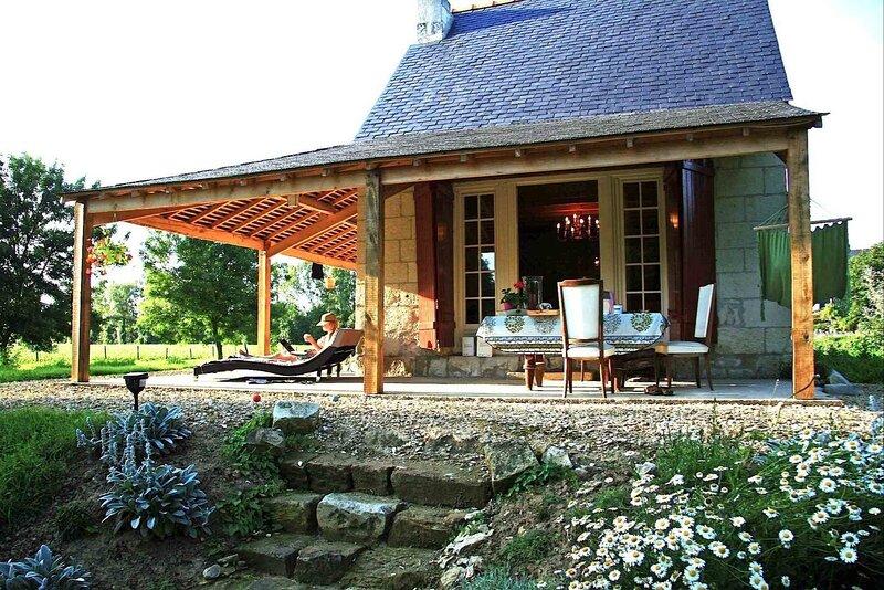 Privately located cabane de vigne in the Loire Valley, alquiler vacacional en Chinon