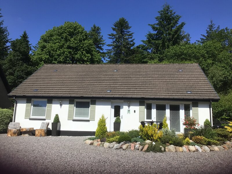 Your highland home from home with a hot tub, holiday rental in Port Appin