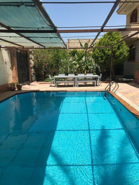 Alexandria Family villa with private pool, close to the beach, location de vacances à Gouvernorat d'Alexandrie