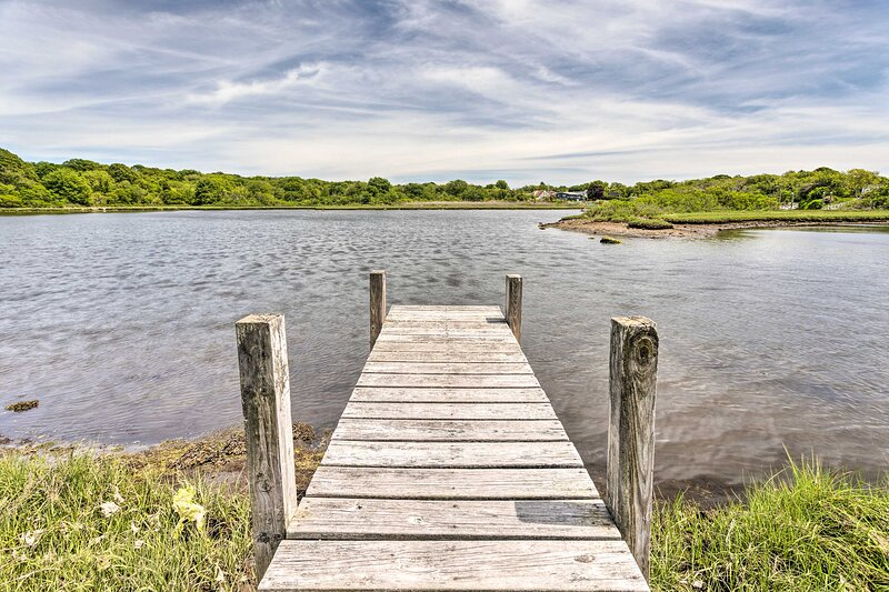 The dock is the perfect place to lounge while crabbing and fishing!