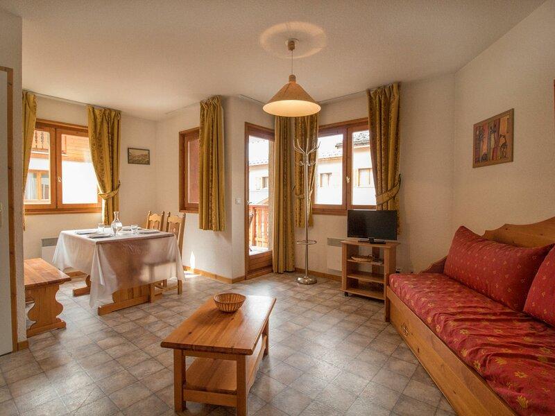 COM306M : Appartement dans quartier calme proche des navettes gratuites et de, casa vacanza a Bramans