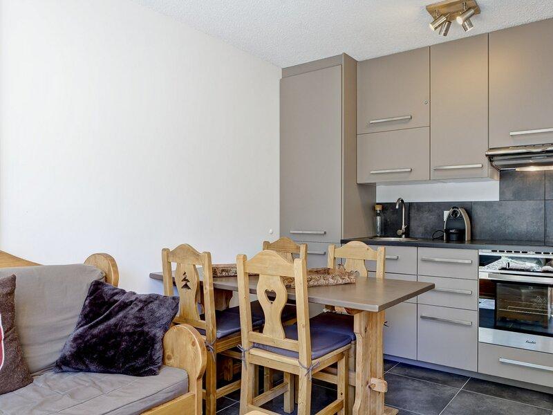Appartement au calme à proximité des remontées mécaniques et du centre de, holiday rental in Bozel