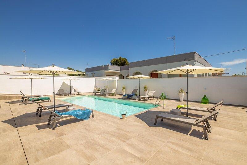 Appartamento Malika Arancione, holiday rental in Torre Suda