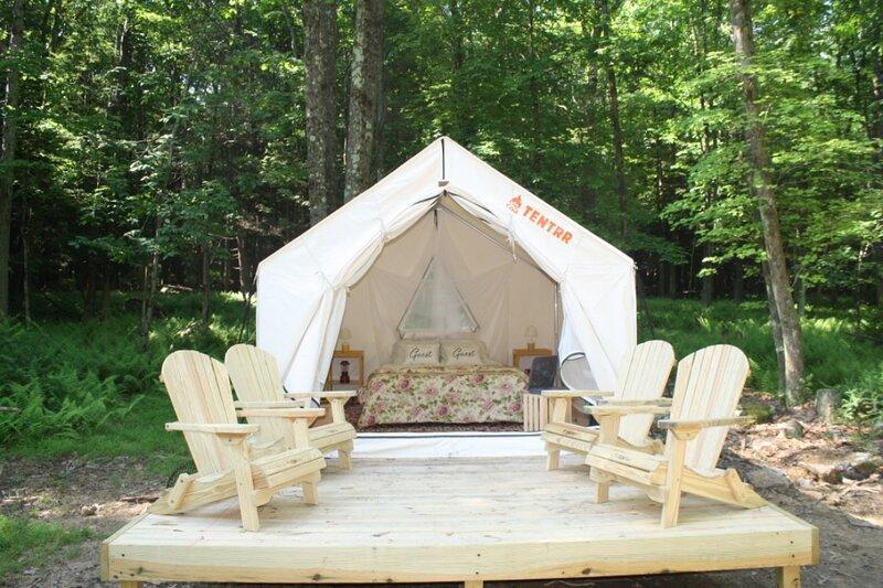 Tentrr Signature Site - Four Oaks at Camp Temike – semesterbostad i Allentown