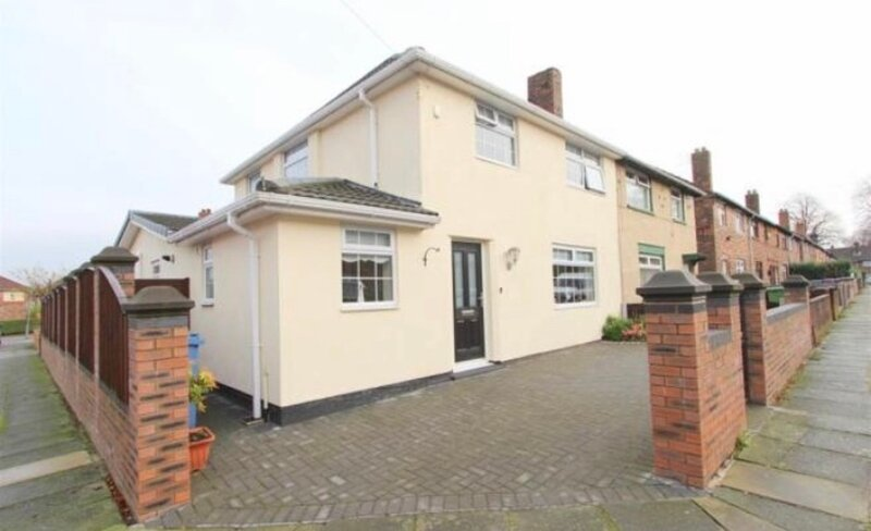 Immaculate 3-Bed House in Liverpool, casa vacanza a Kirkby