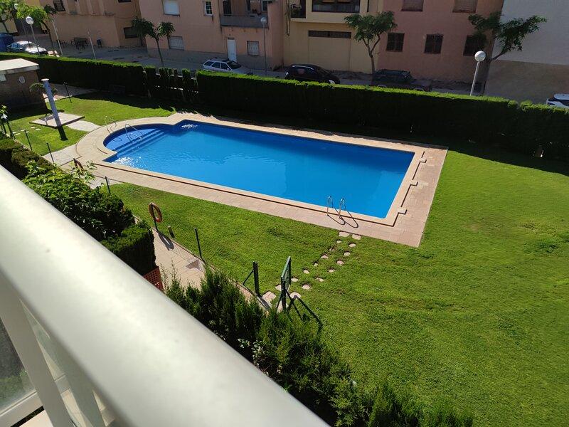 00477-Estupendo apartamento con piscina comunitaria, casa vacanza a L'Hospitalet de l'Infant