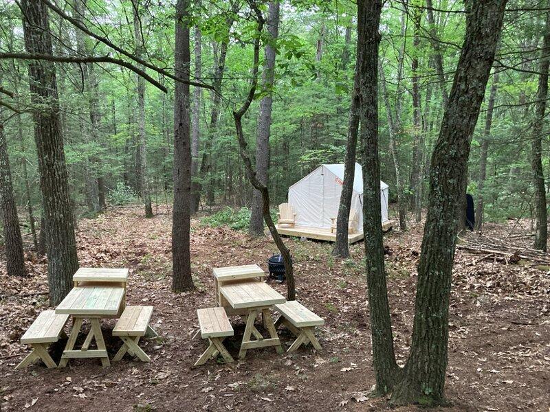 Tentrr Signature Site - Tabasco Woods II (Two tent site), alquiler vacacional en Samsonville