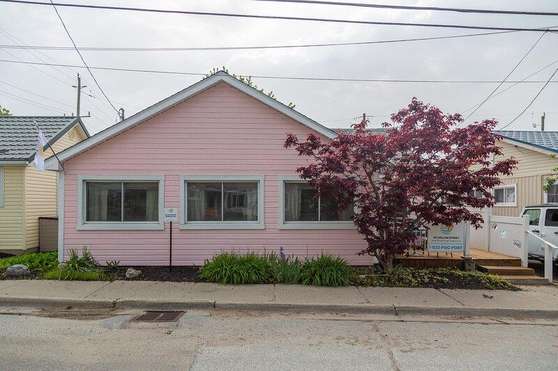 Pink on William, vacation rental in Port Stanley