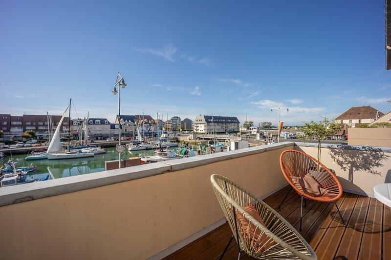 La Marina - Appartement avec terrasse vue sur le port, location de vacances à Fontaine-Henry